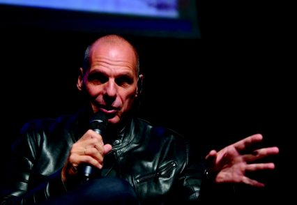 Varoufakis: «Ma quale anti- sistema: i grillini sono il nuovo establishment »